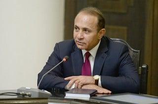 PM Abrahamyan Hails the Program of Setting New Robotics Clubs